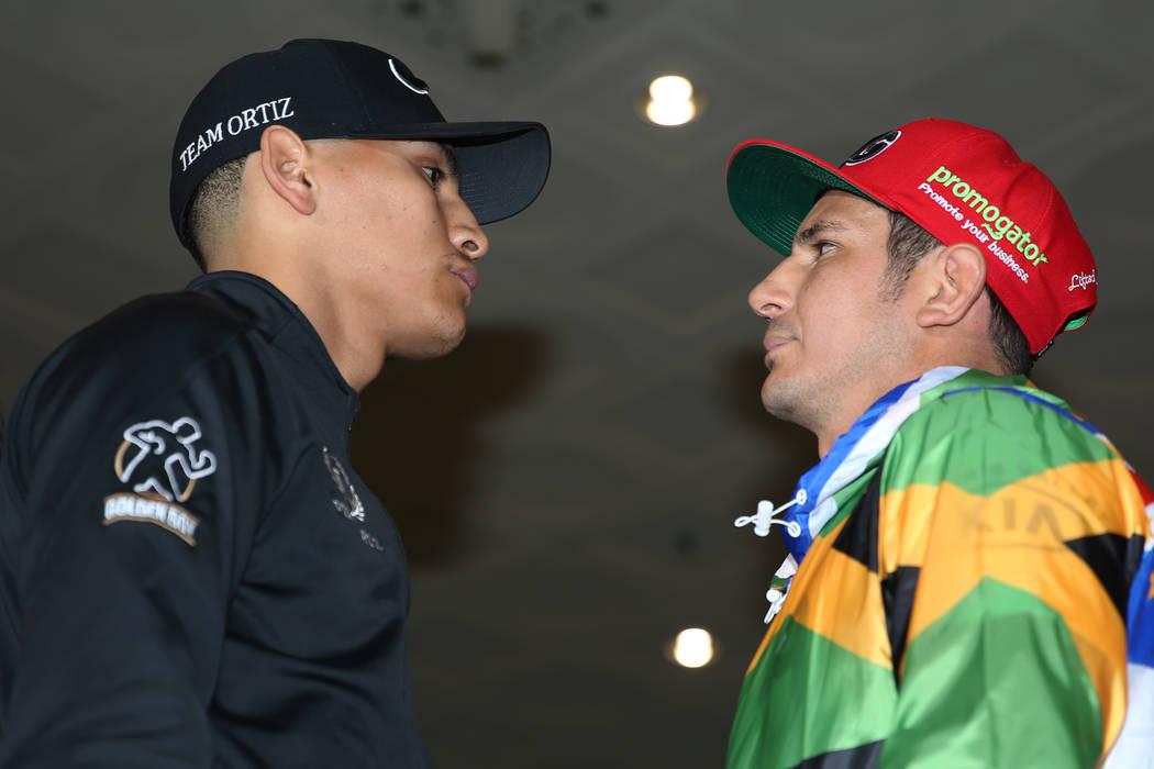 Vergil Ortiz Jr., izquierda, y Mauricio Herrera posan durante su gran llegada al MGM Grand hote ...