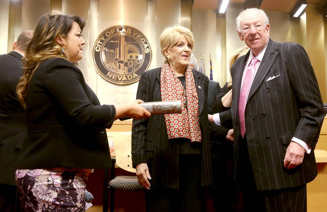 Carolyn Goodman, alcaldesa de Las Vegas, se prepara para jurar su tercer y último mandato dura ...