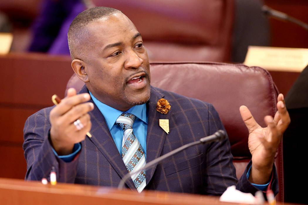 El asambleísta Tyrone Thompson, demócrata por North Las Vegas, se prepara para una reunión c ...