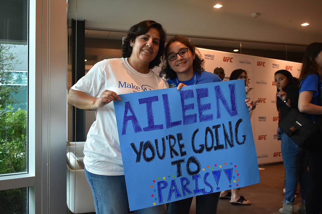 La señora Norma Sánchez estuvo al lado de su hija Ayleen Say Sánchez, de 15 años de edad, d ...