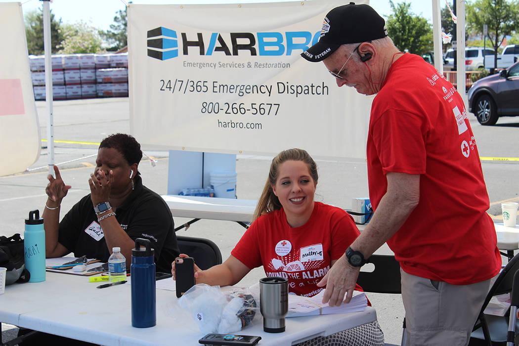 El 90% de los trabajadores de la Cruz Roja Americana son voluntarios. Sábado 4 de mayo de 2018 ...