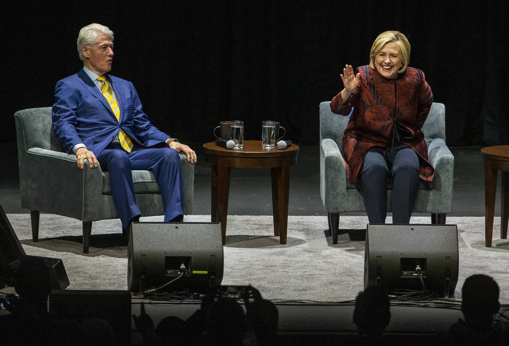 El ex presidente de los Estados Unidos, Bill Clinton, y la ex secretaria de Estado de EU, Hilla ...