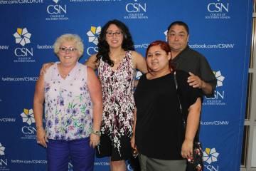 Todos los integrantes de la familia Moreno trabajan en los laboratorios de computo del CSN. Vie ...