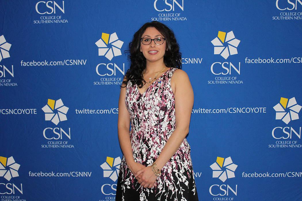 Monique Moreno, fue reconocida por laborar en el CSN desde los 15 años y está por convertirse ...