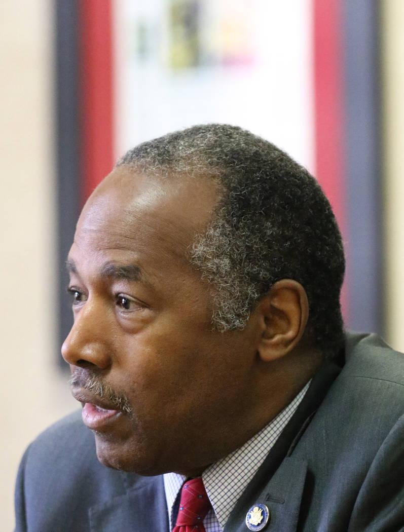 Ben Carson, secretario de Vivienda y Desarrollo Urbano, habla sobre su trabajo en Zonas de Opor ...