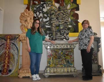 Hija y esposa de Jesús Toloza, Anais y Ana Alicia, desean seguir exhibiendo las obras del arti ...