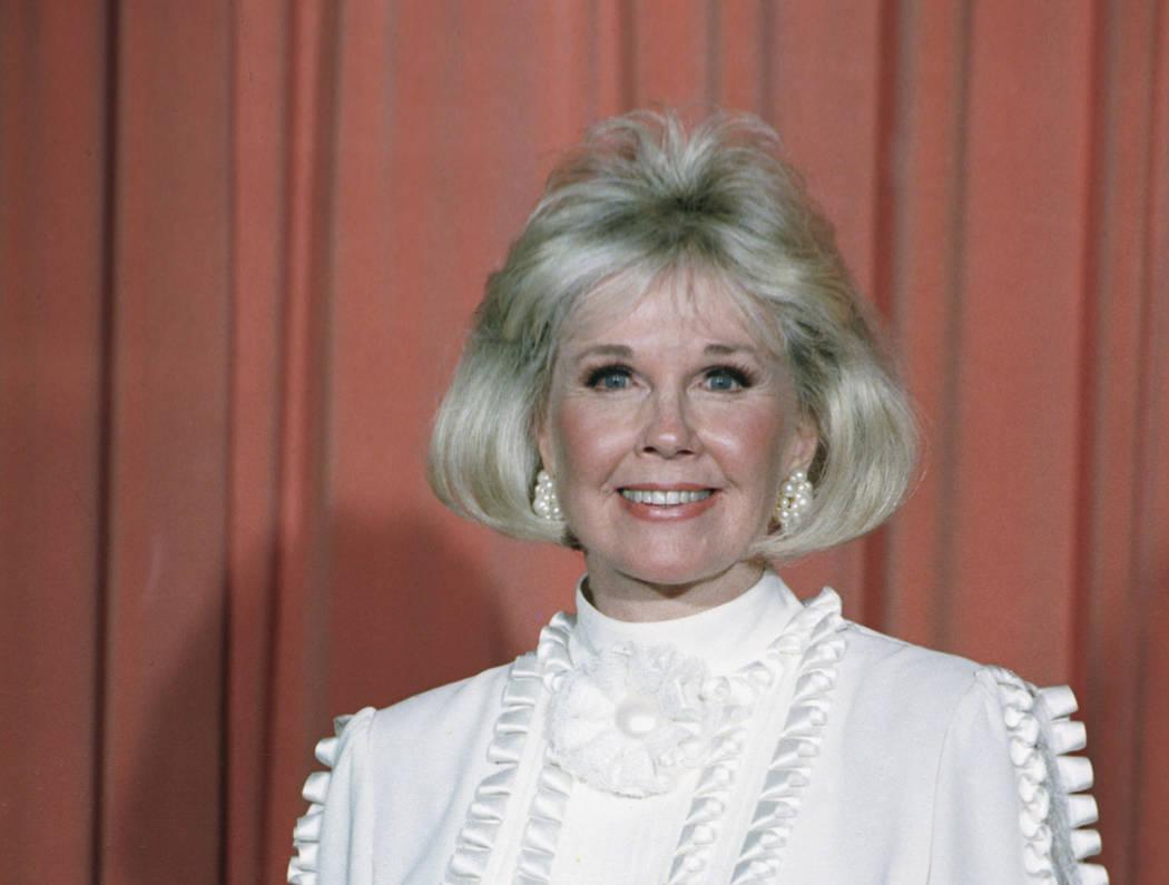 La actriz y activista de los derechos de animales, Doris Day, recibió el Premio Cecil B. DeMil ...