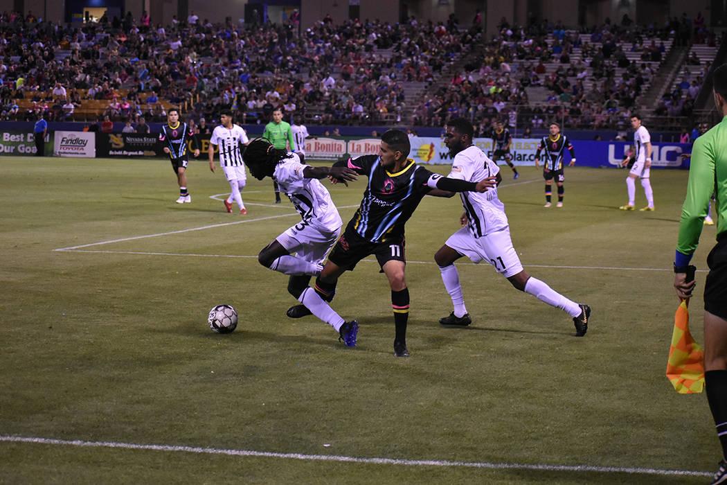 Las Vegas Lights FC sumó cuatro triunfos seguidos como local tras vencer a Colorado Springs Sw ...