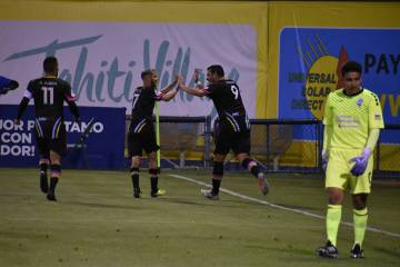 Las Vegas Lights FC derrotó 3-0 a Colorado Springs Switchbacks FC en juego de temporada regula ...