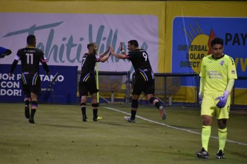 Las Vegas Lights FC derrotó 3-0 a Colorado Springs Switchbacks FC en juego de temporada regula ...