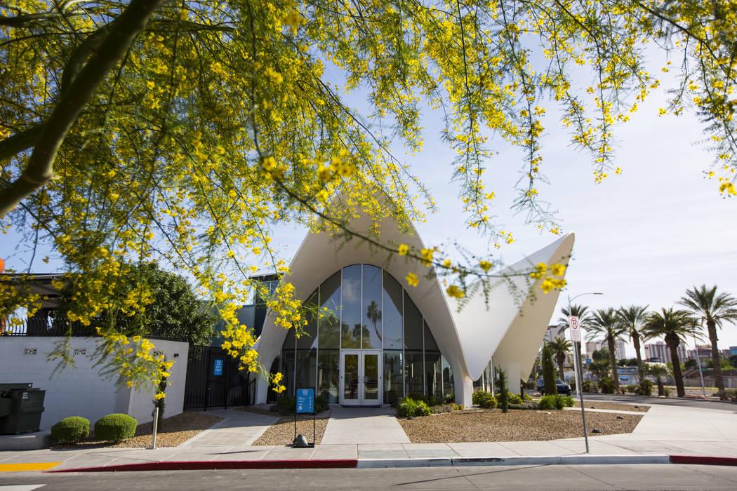 El Neon Museum, que cuenta con el antiguo lobby de La Concha Motel, a lo largo de Las Vegas Bou ...