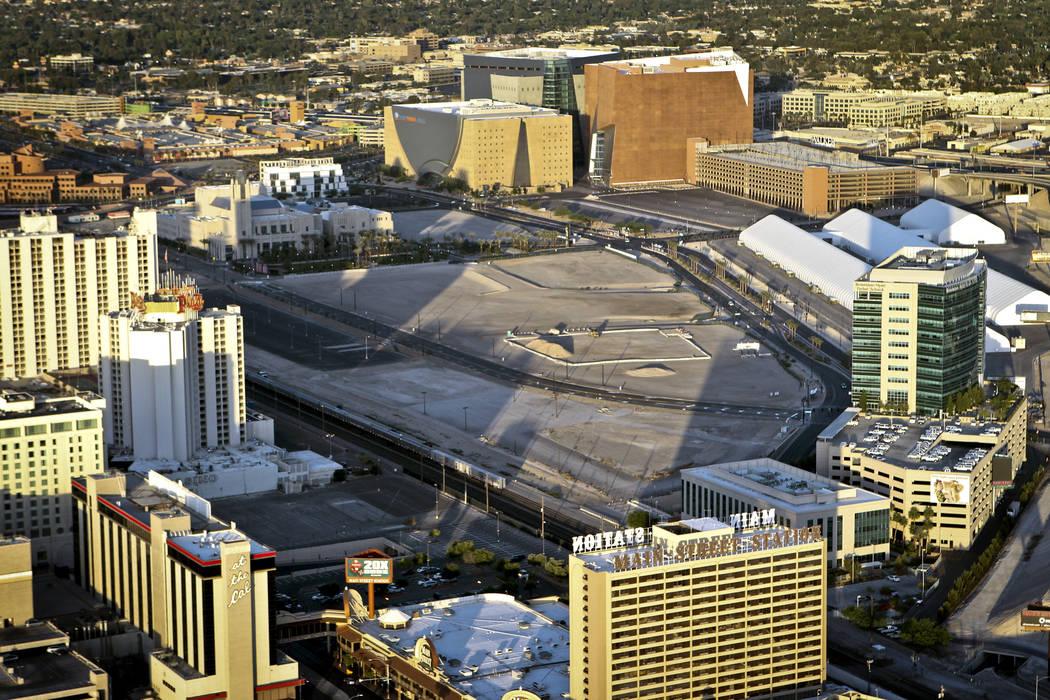 Una vista en 2012 de Symphony Park, un desarrollo de 61 acres en el centro de Las Vegas. (Las V ...