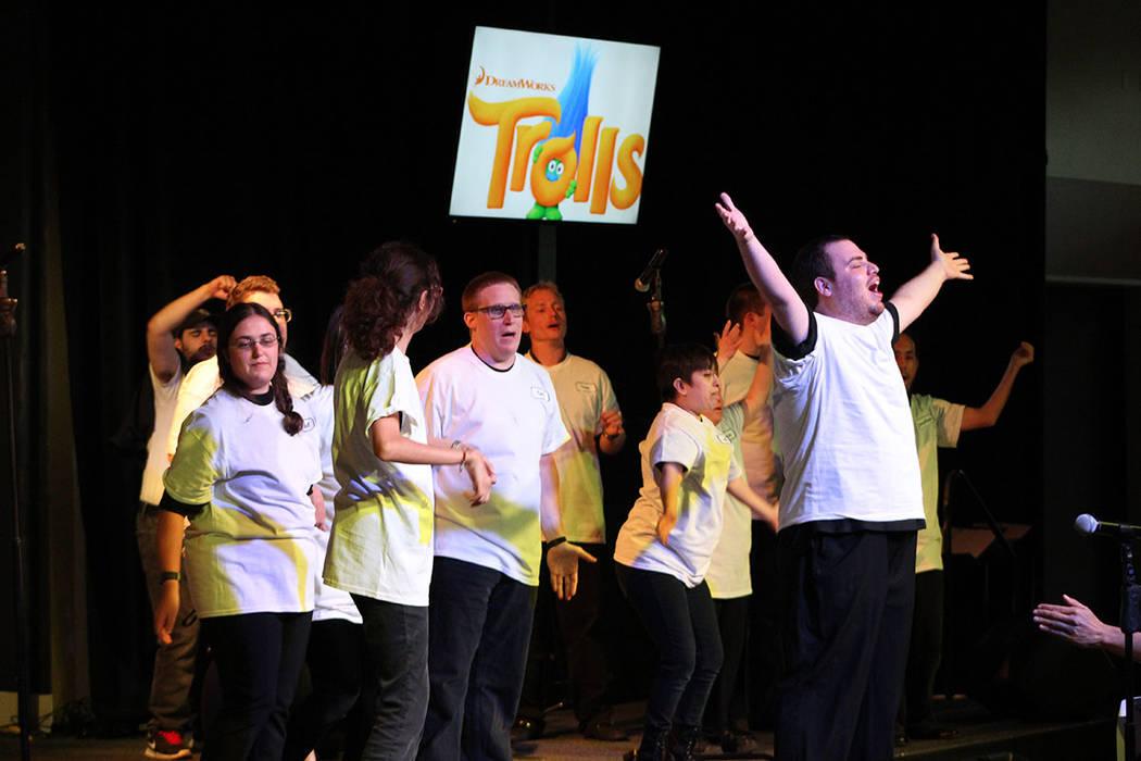 El programa de artes escénicas, incluye clases de ukulele, batería, teatro entre otras. Juves ...
