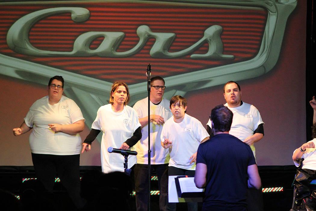 Los integrantes de artes escénicas presentaron canciones de películas en su concierto Ovació ...