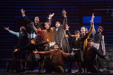 "El elenco de ""Fiddler on the Roof."" (Joan Marcus)"