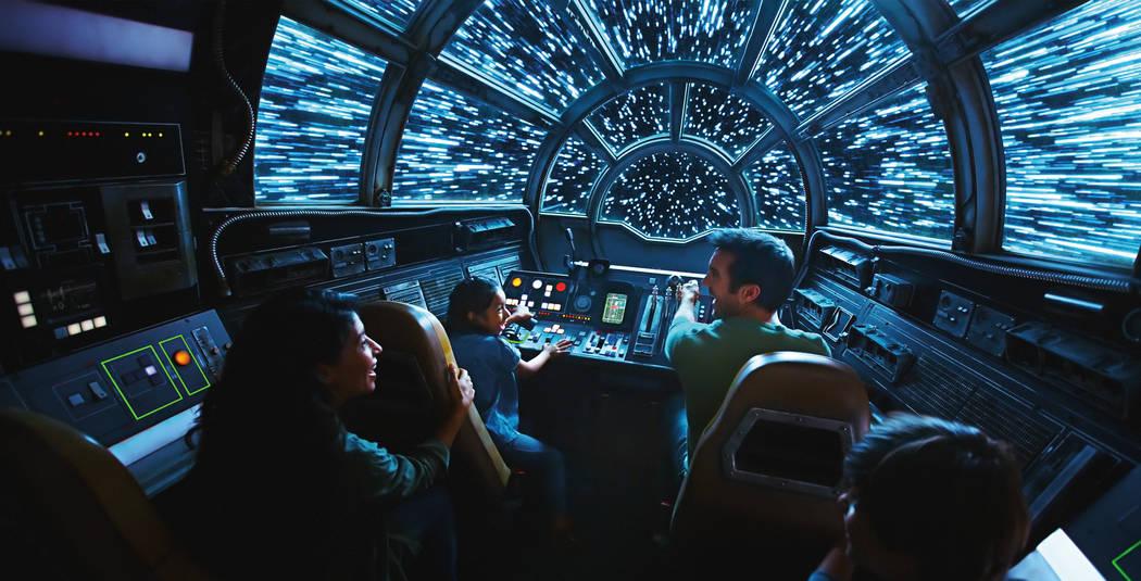Dentro de Millennium Falcon: Smuggler's Run, los invitados de Disney tomarán los controles en ...