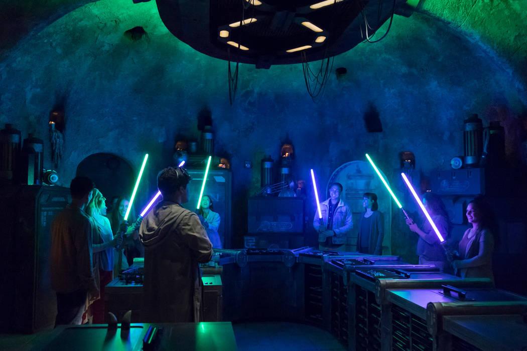 Los huéspedes de Disney descubrirán hallazgos exóticos a lo largo de Star Wars: Galaxy's Edg ...
