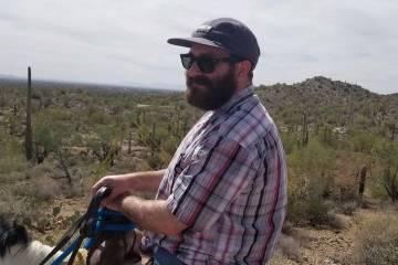 Nicholas Farah, de 36 años, murió el 31 de marzo de 2019, bajo custodia policial en el Centro ...
