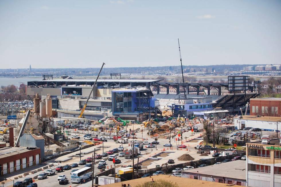 Construcción de Audi Field, sede del equipo de la Major League Soccer D.C. United, visto desde ...