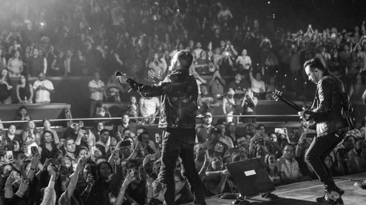 Mario Domm deleitó al público de Las Vegas con su excelsa voz durante el concierto '4 Latidos Tour', que protagonizan Camila y Sin Bandera. Foto Instagram: @CamilaMX.