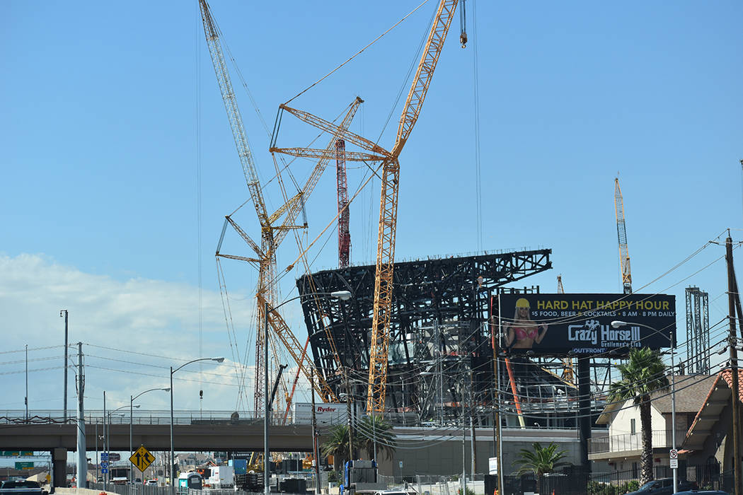 Construcción del estadio de los Raiders. Foto Frank Alejandre / El Tiempo.