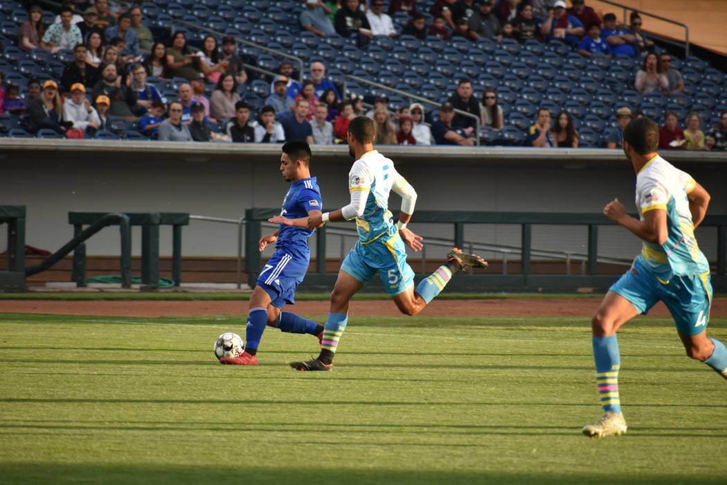 "Las Vegas Lights FC sufrió dolorosa derrota ante el ""acérrimo rival"", Reno 1868 FC, en un ..."