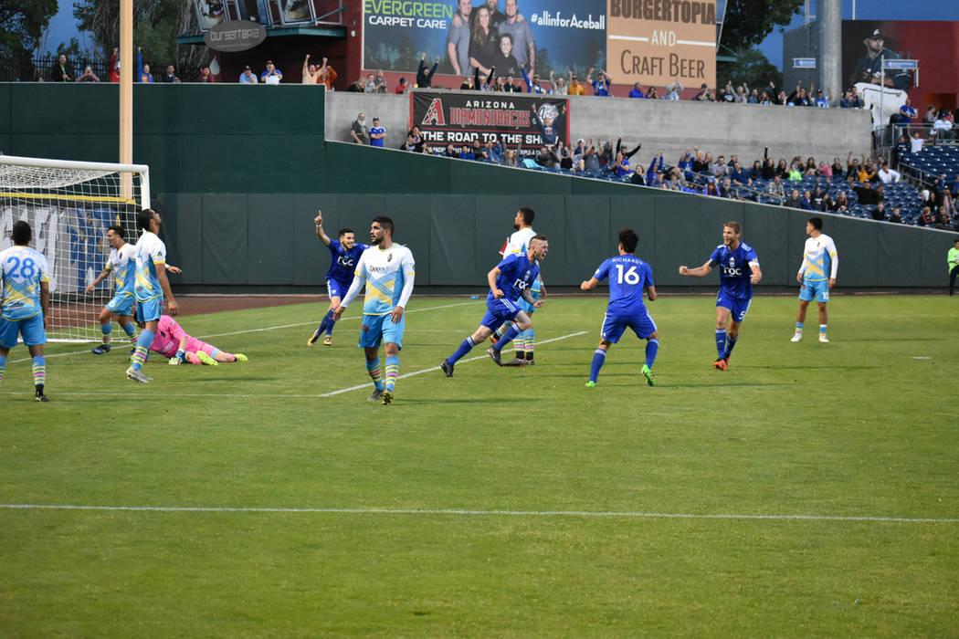 """Reno 1868 FC sigue teniendo """"paternidad"""" (deportiva) sobre Las Vegas Lights FC, al mantener ..."""