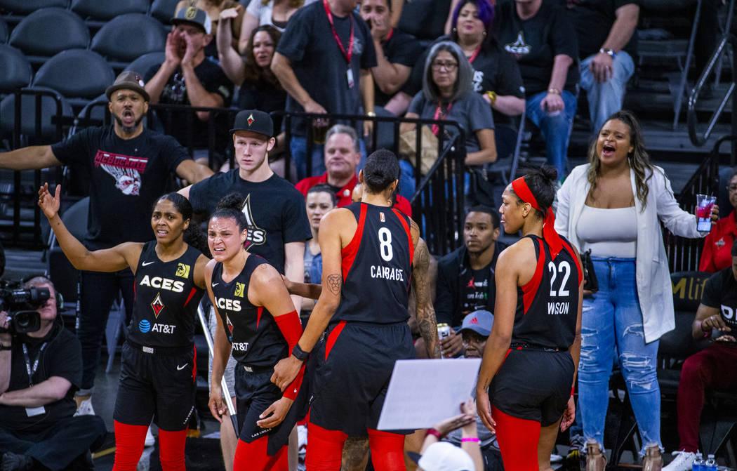 Las jugadoras y fans de Las Vegas Aces se sienten angustiados por una falta a favor del Connect ...