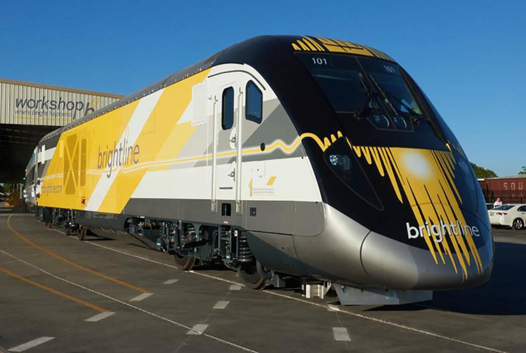 Un plano exterior de un tren de alta velocidad de Brightline. (Brightline)