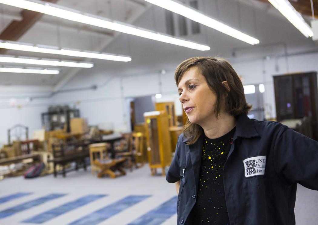 Deirdre Clemente, directora asociada del programa de historia pública de la UNLV, habla sobre ...