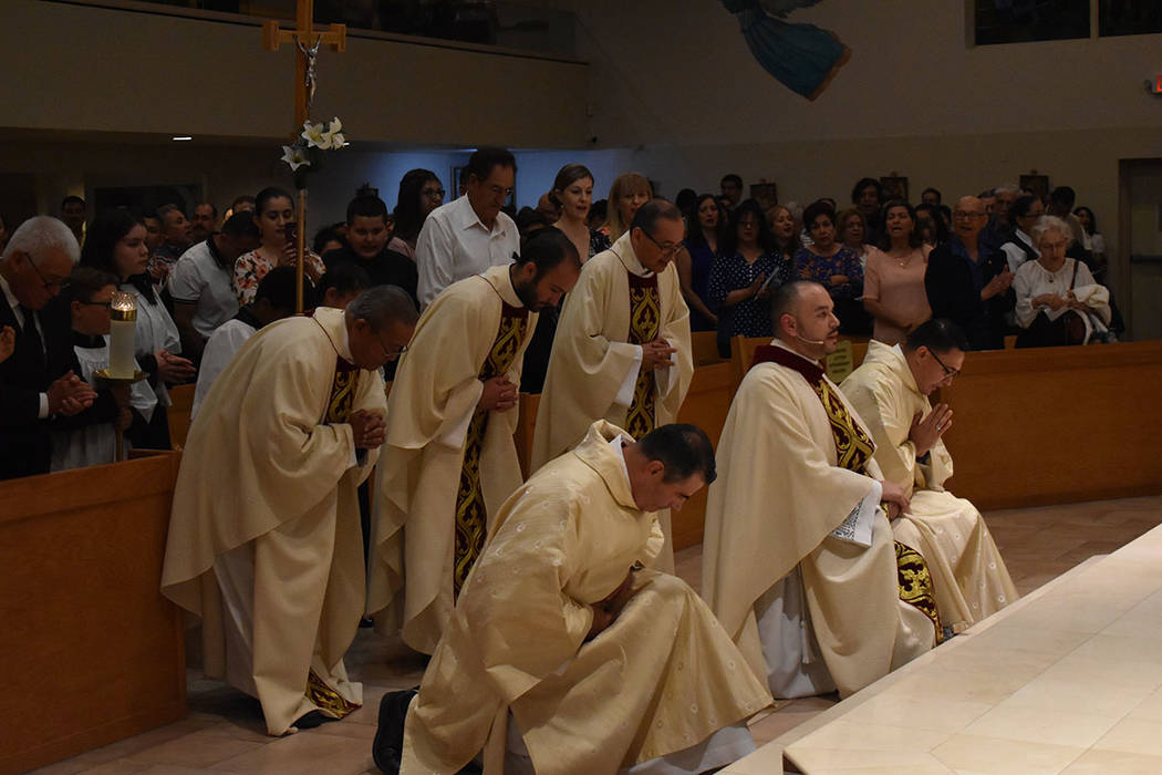 Una de las lecturas de la liturgia fue tomada de Hebreos 5,1-10. Viernes 31 de mayo de 2019 en ...