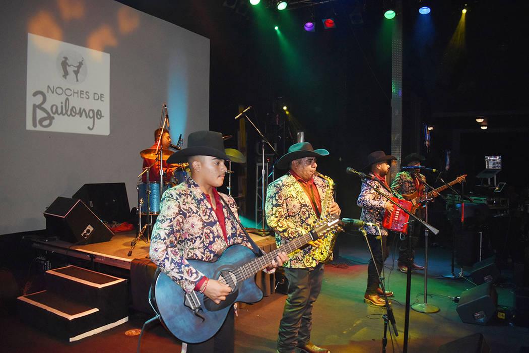 Los Hermanos Padilla de Durango realizaron una presentación estelar en Las Vegas. Sábado 1 de ...