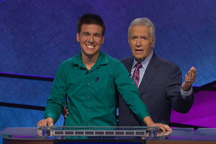 James Holzhauer y el anfitrión de Jeopardy!, Alex Trebek (Jeopardy Productions, Inc.)