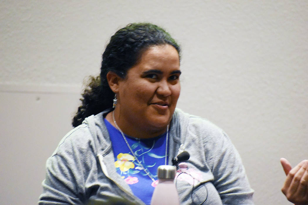 La Dra. Erika Abad compartió interesantes puntos de vista sobre la inclusión. Desde 2017, Abad ha presentado en ClexaCon, una convención anual de medios y entretenimiento para la comunidad LGBTQ y sus aliados, y organizó su primer laboratorio académico en 2019. Miércoles 5 de junio de 2019 en el Museo de Arte Marjorie Barrick. Foto Frank Alejandre / El Tiempo.