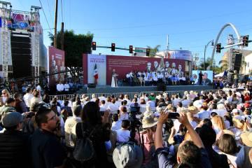 Tijuana, 8 Jun 2019 (Notimex-Javier Lira).- Ante cientos de personas que respondieron a su llam ...