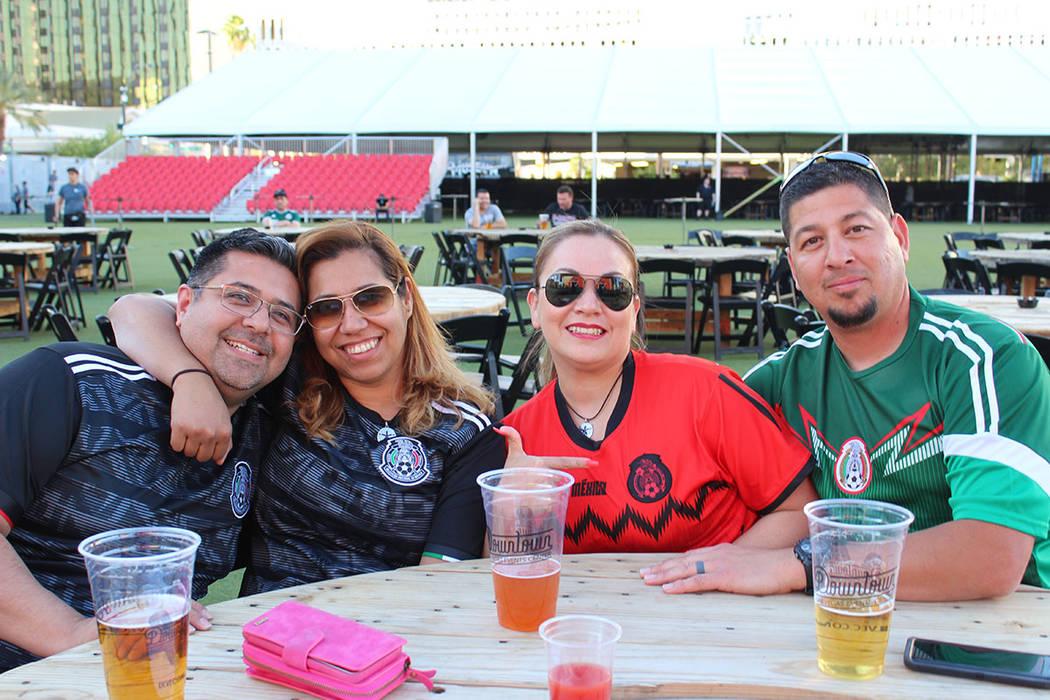La afición espera tener más partidos de México como local en el estadio de los Raiders. Mié ...