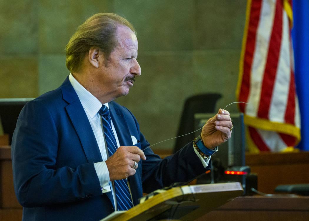 El abogado del demandante Germán Ortiz, James Jimmerson, da una declaración de apertura ante ...