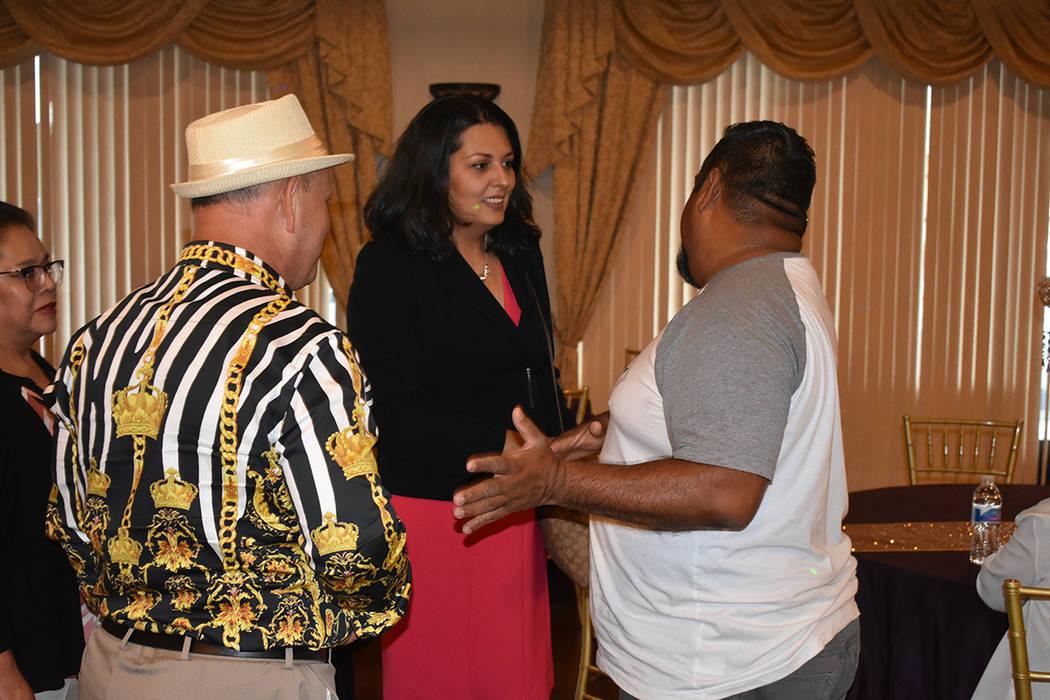 Olivia Díaz recibió el apoyo de múltiples habitantes hispanos del Distrito 3 de Las Vegas. M ...