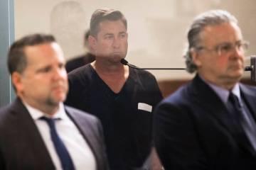 Scott Gragson, nieto del ex alcalde de Las Vegas, Oran Gragson, hace su aparición inicial en e ...