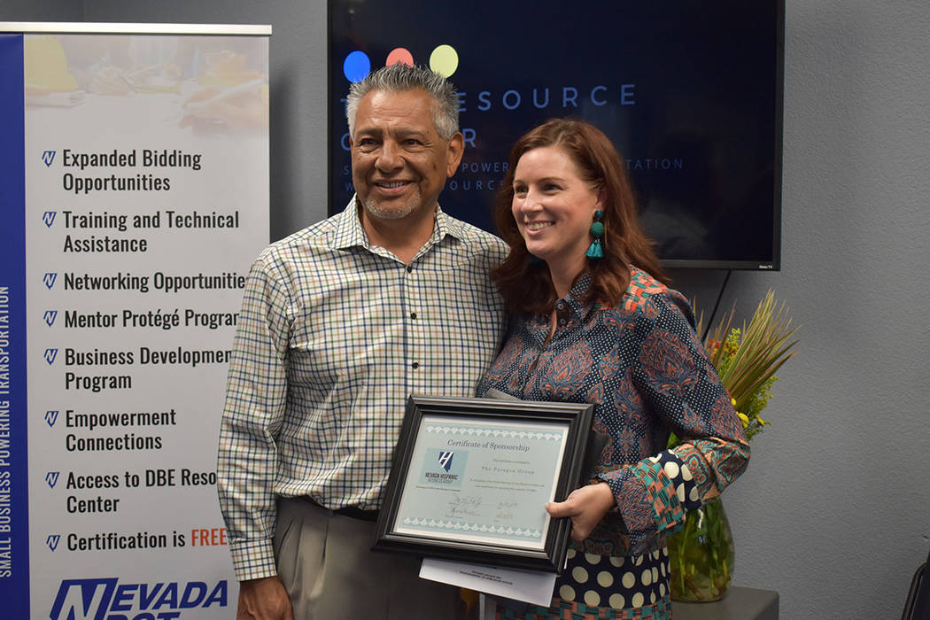 Nevada Hispanic Business Group entregó un reconocimiento a Paragon Group. Jueves 13 de junio d ...