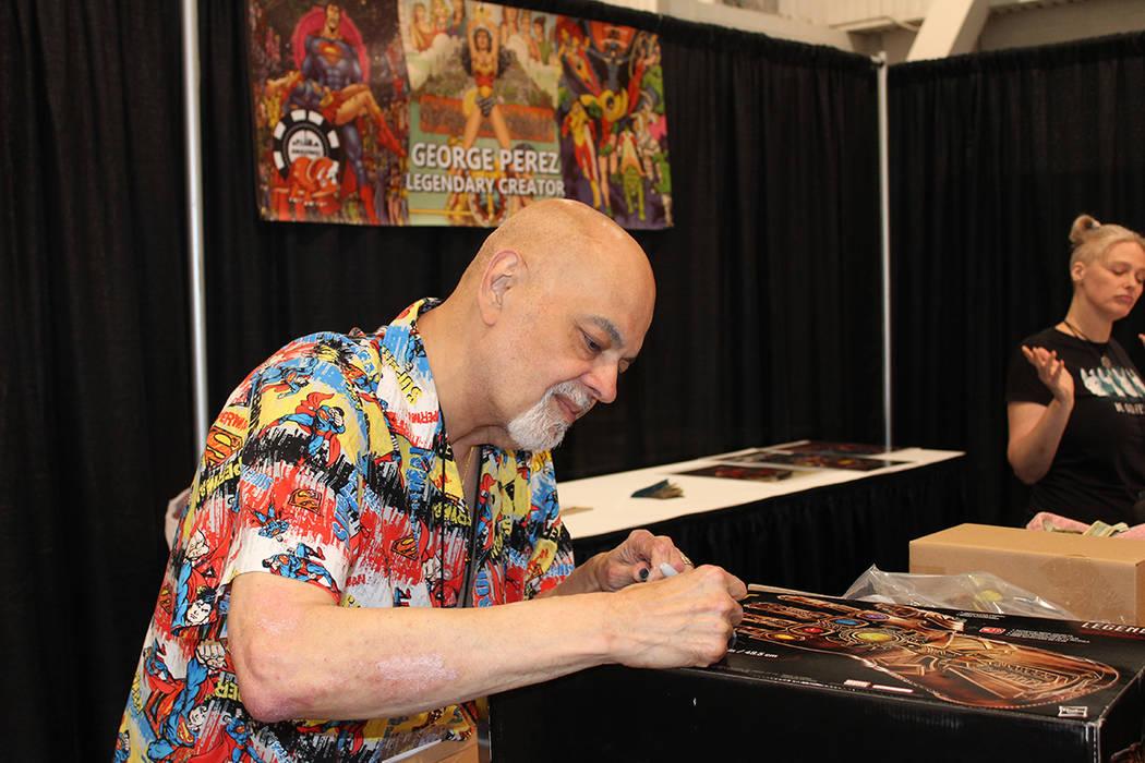 George Pérez, fue el ilustrador del comic de Los Vengadores de Marvel. Sábado 15 de junio del ...