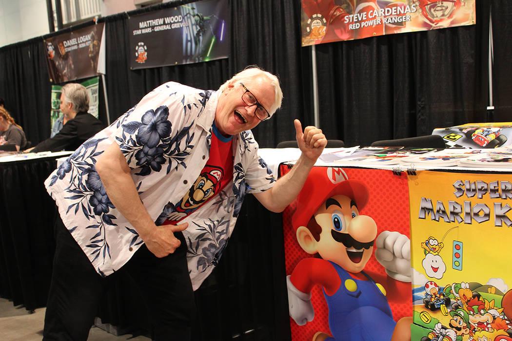 La voz oficial de Mario Bros, Charles Martinet, se presentó en la Comic Con. Sábado 15 de jun ...