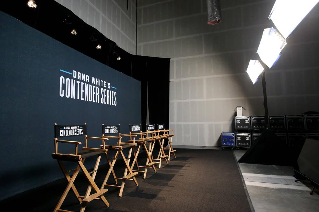 """Un estudio de televisión donde los luchadores conocerán su destino después de competir en """"D ..."""