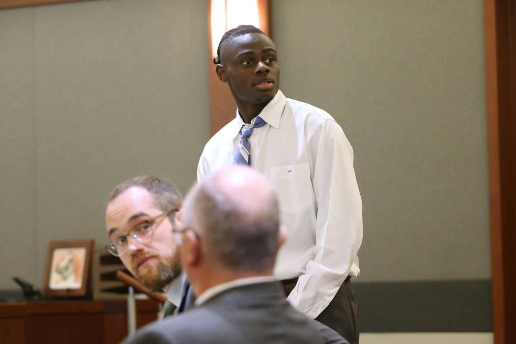 Weslie Martin, acusado de robar en la casa de Wayne Newton, durante su audiencia en el Centro R ...
