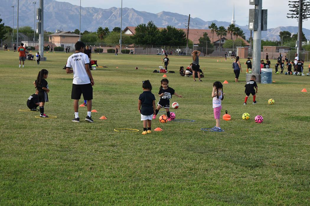 Las Vegas Diversity FC es una organización que brinda entrenamiento en fútbol soccer a niños ...