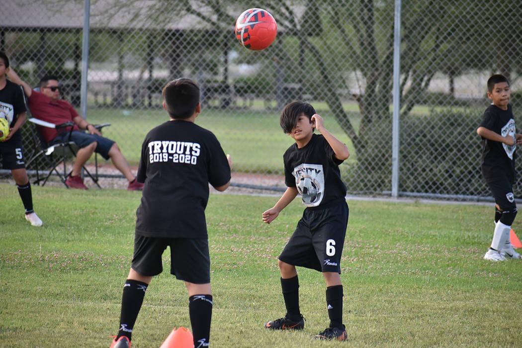 El objetivo de Las Vegas Diversity FC es incentivar el deporte entre niños y adolescentes de o ...