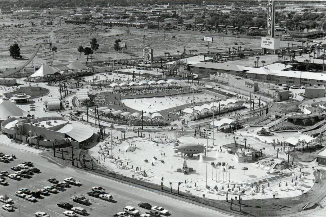 Vista aérea de Wet'n'Wild en Las Vegas Boulevard en 1985. (Oficina de Noticias de Las Vegas)