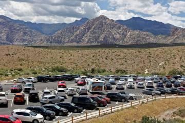 El estacionamiento para el mirador de Sandstone Quarry en la ruta escénica del Área de Conser ...