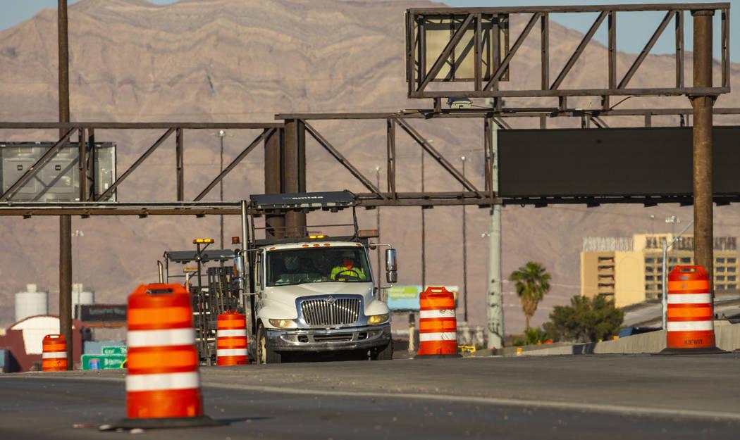 Los carriles de tráfico se reducen en la Autopista 95 de los EU a la altura de Rancho Drive, y ...
