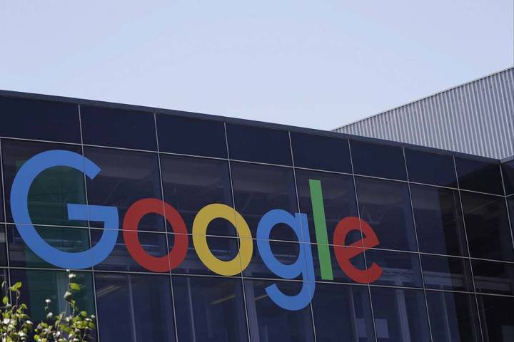 Esta fotografía de archivo del 19 de julio de 2016 muestra el logotipo de Google en la sede de ...
